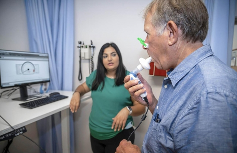 The Bailey Lab is studying whether inspiratory breath training can lower blood pressure and improve sleep for people who have sleep apnea.