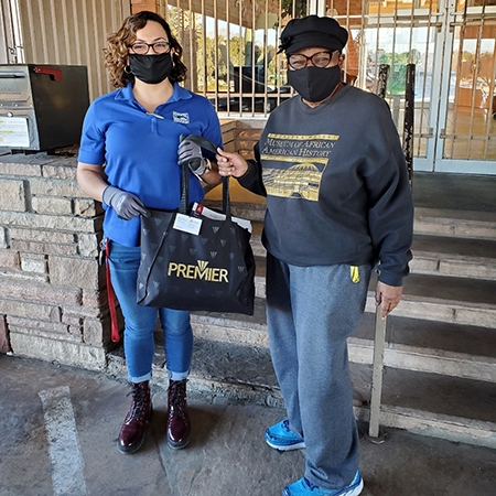 Murryelle Bothwell delivers kits to Gospel Rescue Mission in Tucson